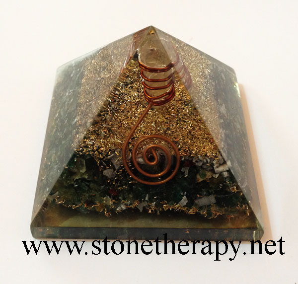 Orgone-Malachite-Pyramid-With-Point